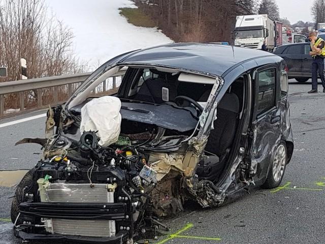 A8 in Richtung München: Geisterfahrer stirbt bei Kollision - fünf Verletzte