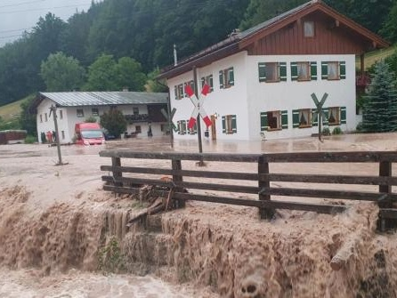 Hochwasser in Oberbayern: Olaf Scholz und Markus Söder versprechen Hilfen