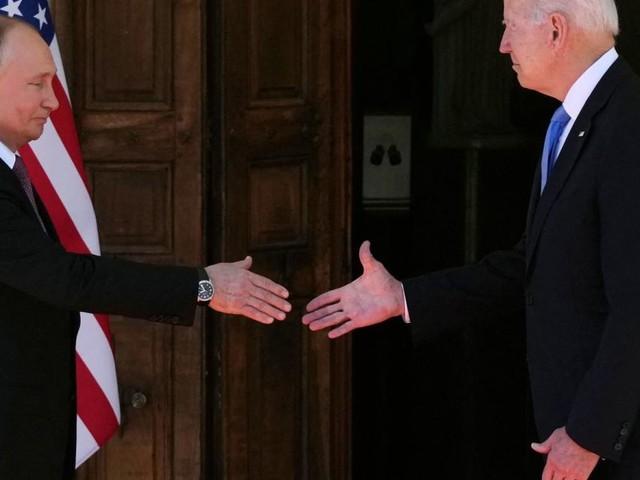 Was Biden und Putin mit ihrer Körpersprache verraten