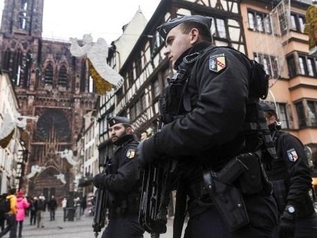 """Französische Gefährder-Datei: Attentate trotz """"Vermerk S"""""""