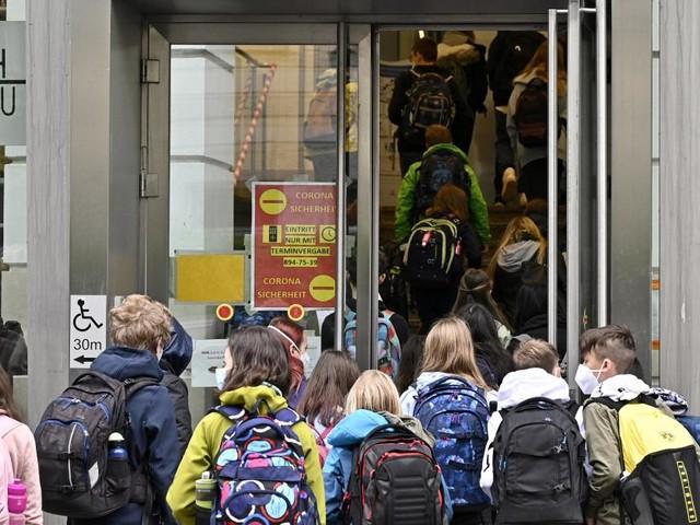 Entscheidung über Schulbetrieb im Herbst fällt im August