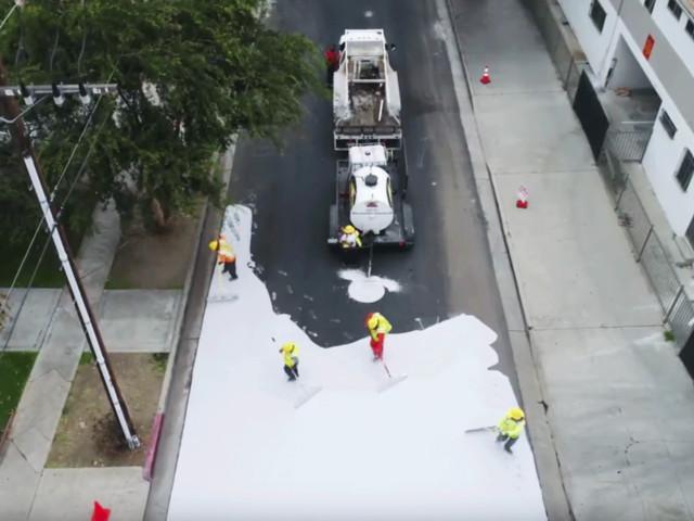 Los Angeles renoviert – Weiss gestrichene Strassen sollen die Temperatur senken