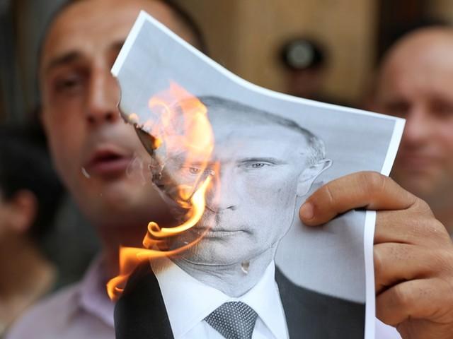 Demonstranten wollen Parlament in Georgien stürmen – 11 eindrückliche Bilder