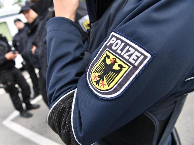 Dortmund: Polizei kontrolliert Cafés und Wettbüros und wird dabei gestört