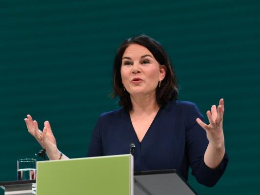 Annalena Baerbocks Nebeneinkünfte-Panne könnte ihren Wahlkampf belasten.