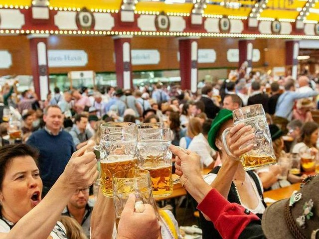 O'zapft is!: Oktoberfest in München feierlich eröffnet