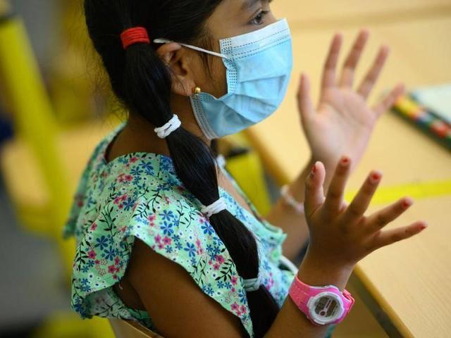 In NRW sogar im Unterricht: Debatte um Maskenpflicht in Schulen