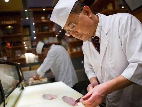 Wie Herr Sakamoto Sushi macht