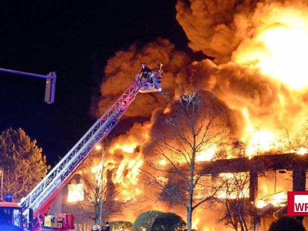 Nach Brandeinsatz: Düsseldorfer Feuerwehrmann ringt um sein Leben