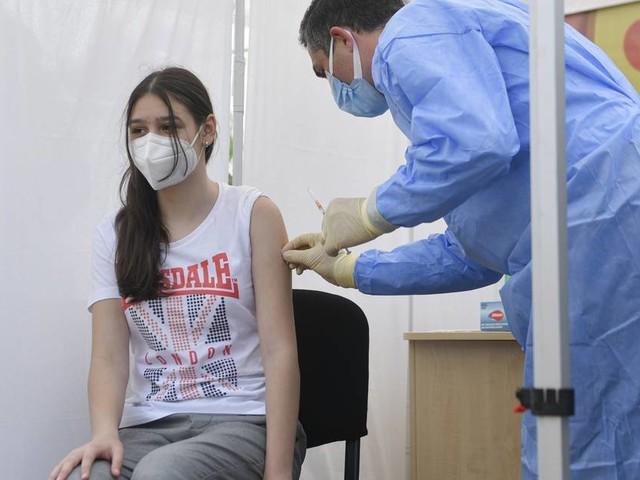Corona-Newsblog: Stiko empfiehlt Corona-Impfungen nur für vorerkrankte Kinder