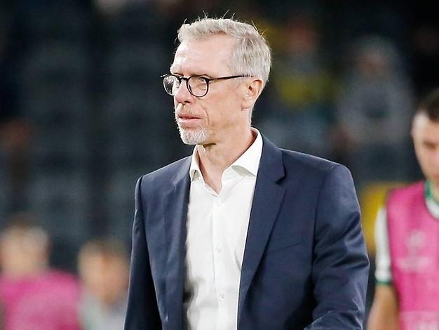 """Vor Duell in Leverkusen: Stöger nach Ankunft in Köln: """"Typisch kölsches Wetter"""""""