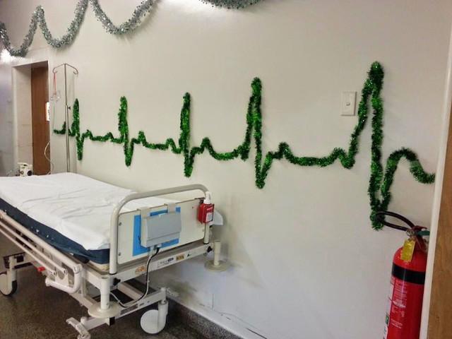 Falls was mit Omma ist: Unsere Top 15 der besten Weihnachtsdekorationen in Krankenhäusern