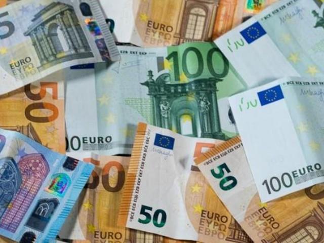 """Initiative """"Tax me now"""" - 36 Millionäre wollen mehr Steuern zahlen - Petition für Rückkehr der Vermögensteuer"""