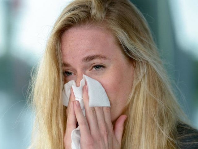 Heftige Allergiesymptome: Soll man einen Impftermin verschieben?