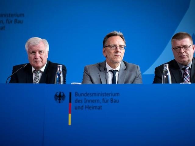 Seehofer: Stephan E. war seit 2009 nicht mehr auffällig