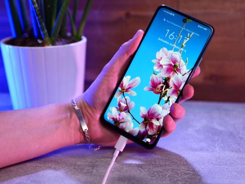 Akku laden ohne Steckdose: Huawei plant absolute Handy-Revolution