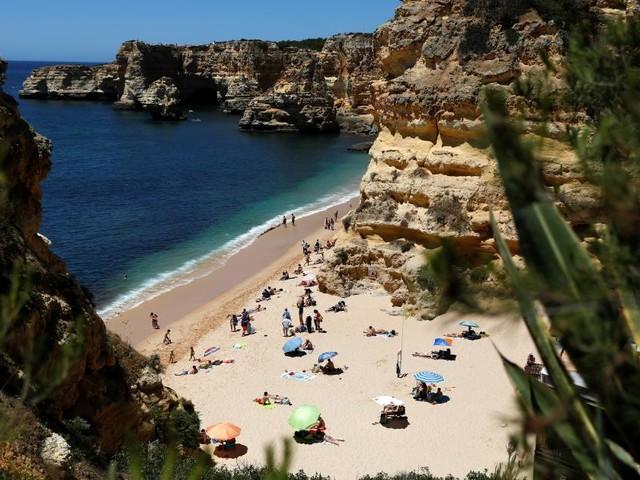 Sommer, Sonne, Delta - wackelt der Urlaub in Portugal?