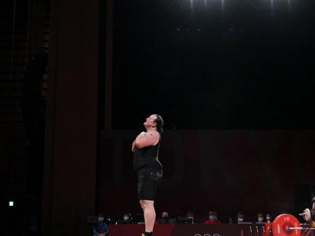 Die erste Transgenderin konnte nur das Gewicht nicht stemmen