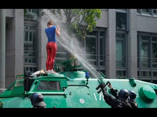 Dokumentarfilm stellt kritische Fragen zur Polizeiarbeit