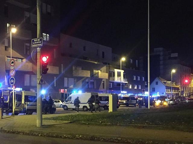 Schießerei in Straßburg - Zwei Tote nach Schüssen auf Straßburger Weihnachtsmarkt - Täter flüchtig