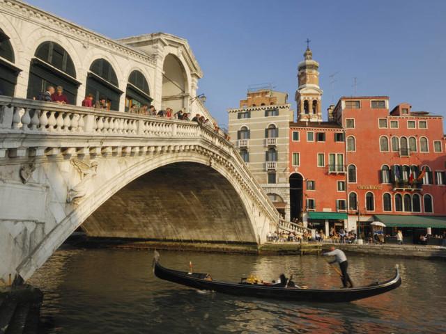 Und nicht nur das...: Venedig wirft deutsche Touristen aus der Stadt – weil sie Kaffee kochten!