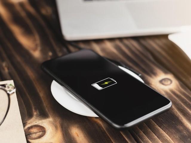 Kauftipps: Induktives Laden bei iPhones: Fünf Geräte, die Ihr Smartphone kabellos flott machen