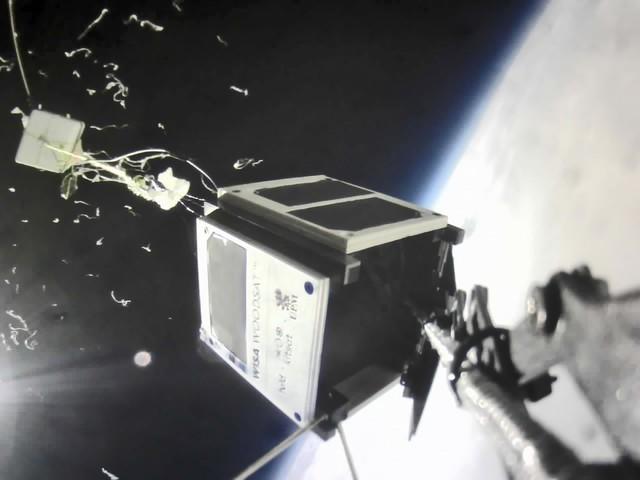 Woodsat: Hölzerner Satellit erreicht bei Testflug Stratosphäre