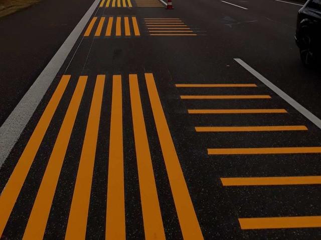 Merkwürdige Markierungen verwirren Autofahrer auf der A4