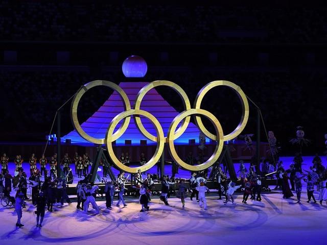 Olympia-News: Deutsche Athleten sorgen mit Outfits für viele Lacher bei Eröffnungsfeier