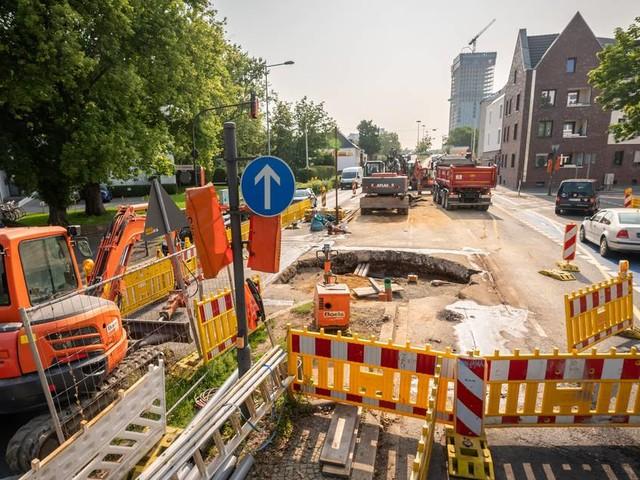 [GA+] Unterirdische Kanalarbeiten: Bonner Autofahrer kritisieren Baustelle an der Reuterstraße