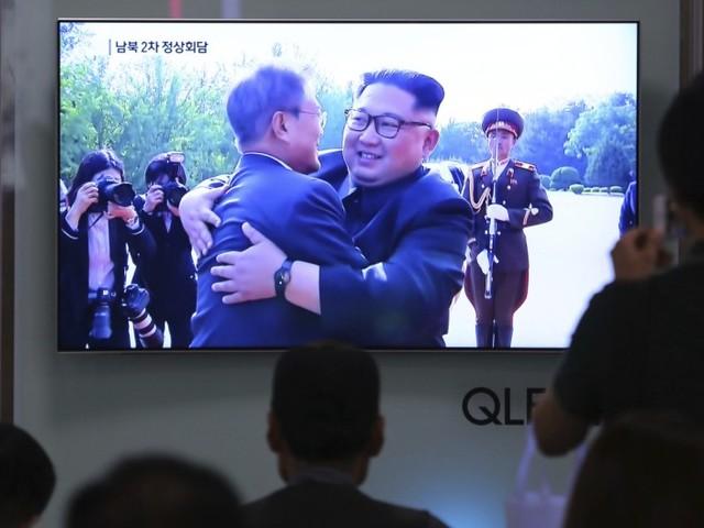 Poltern aus Washington, Umarmung in Korea
