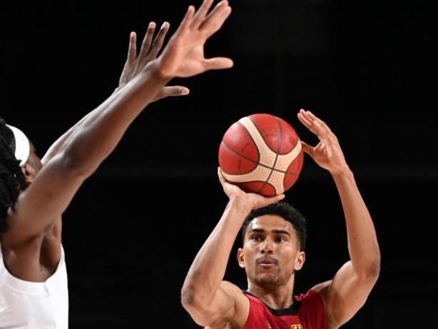 Vertrag bis 2023: Basketball-Nationalspieler Lo verlängert bei Alba Berlin