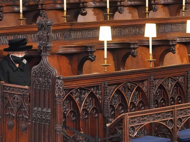 Beisetzung in Windsor: Die Queen allein auf der Kirchenbank – so lief die Trauerfeier für Prinz Philip