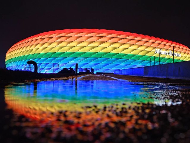 Regenbogen-Optik: Institutionen und Unternehmen zeigen sich bei Twitter solidarisch