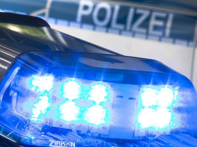 Aschaffenburg: Mann bedroht Frauen mit Waffe und verschanzt sich in Gebäude