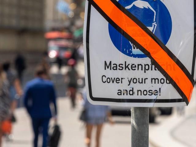 Corona-Politik: Maske adieu? - Debatte über Pflicht zum Mund-Nasen-Schutz entbrannt