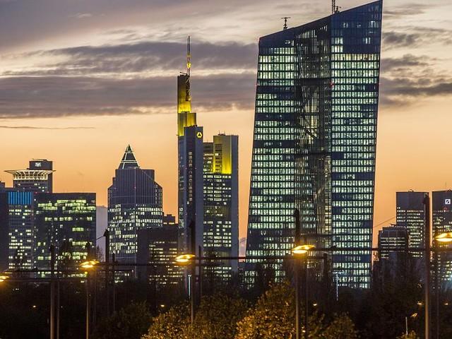 """Axel Weber übt Kritik - Ex-Bundesbank-Chef rechnet mit EZB-Politik ab: """"Voreilig und unangemessen"""""""