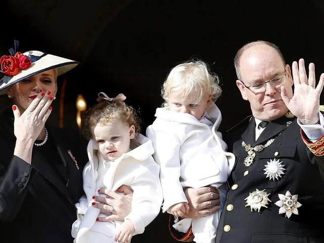 Fürstin Charlène mit Familie vereint: Was ist mit der Frisur von Tochter Gabriella passiert?