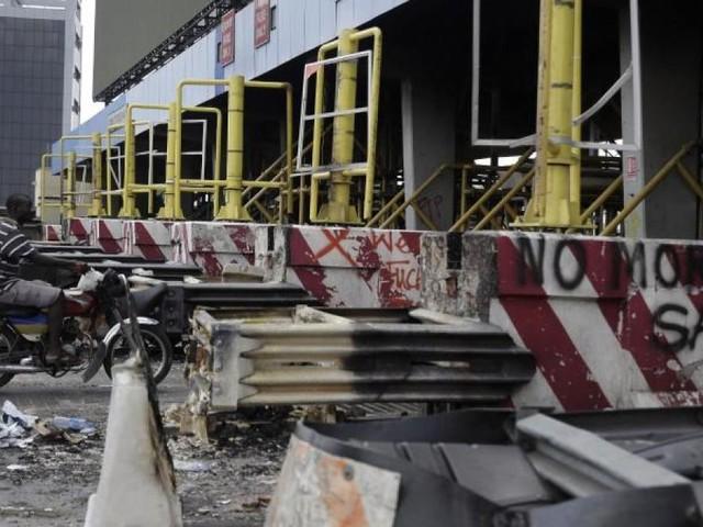 Nigerias Präsident:Zahlreiche Tote bei #EndSARS-Protesten