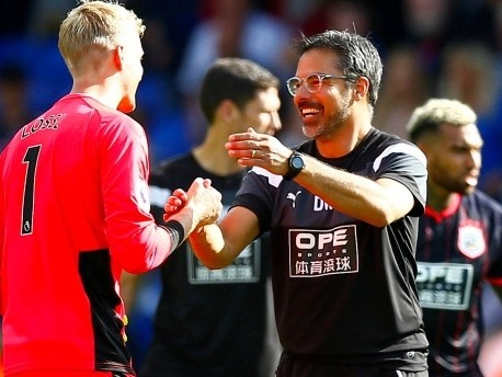 Premier League: Wagners Huddersfield nach 3:0 Tabellenführer
