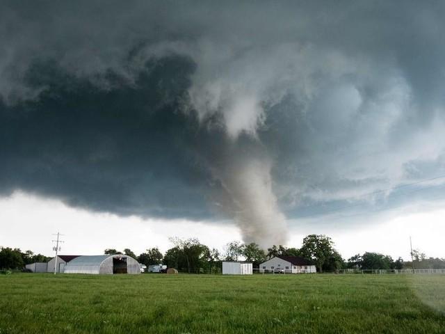 Bis zu 400 km/h: Tornado über Tschechien außergewöhnlich stark
