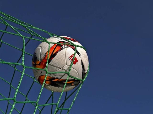 Entscheidung am grünen Tisch: BVB behält Nerven im Regionalliga-Aufstiegskrimi - RWE bleibt Zweiter