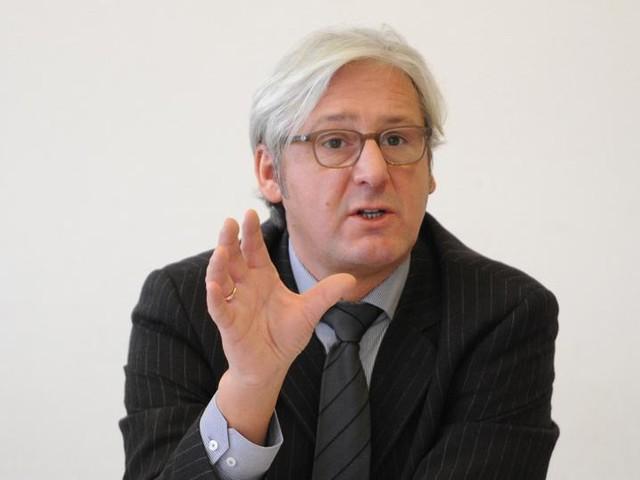 Solidarität mit Peter Feldmann: Darmstadts OB Partsch sagt Auftritt auf IAA ab