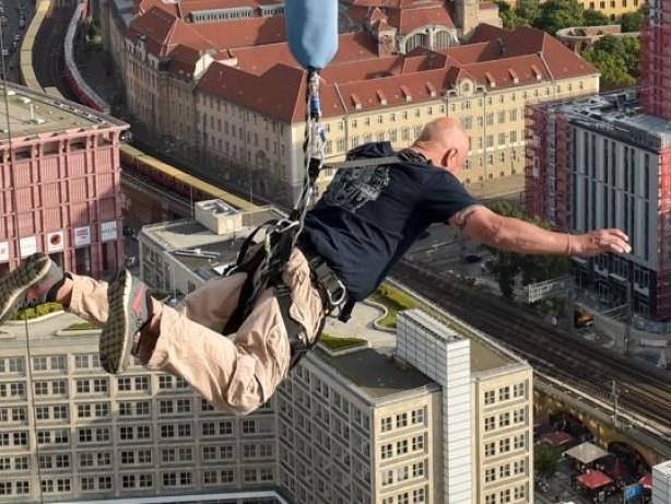 Base Flying: Drei, zwei, eins: Freier Fall aus 125 Metern
