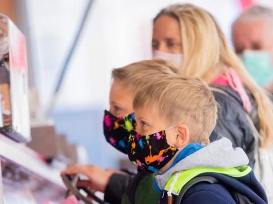 """Coronavirus aktuell: Infektiologe fordert: Maskenpflicht für Kinder """"sofort beenden"""""""