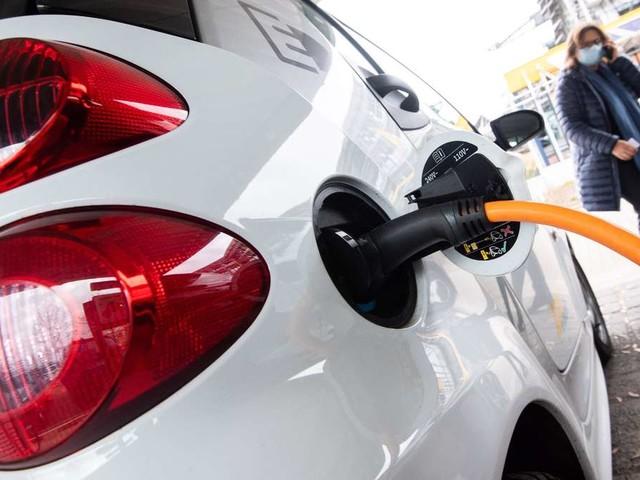 Bundesrat: Neue Ladesäulenverordnung für Elektroautos gebilligt