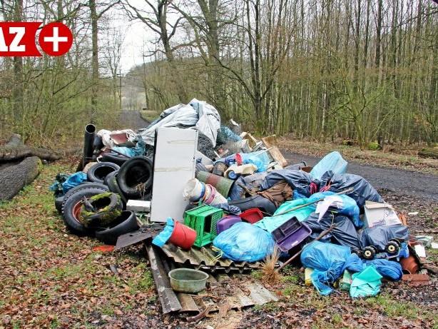 Abfallwirtschaft: Warum Kamp-Lintfort mit mehr Müll zu kämpfen hat als sonst