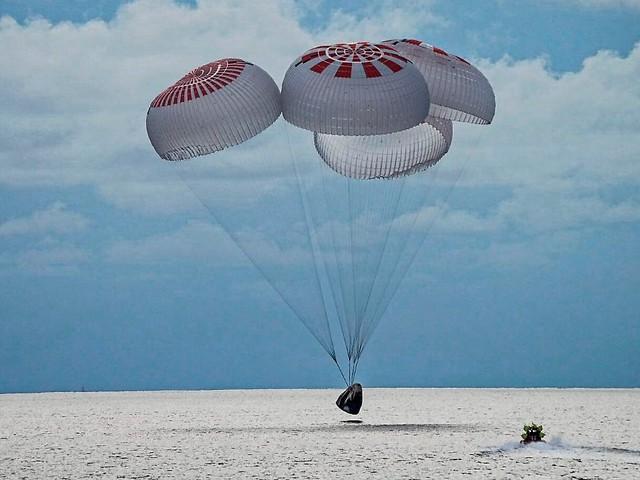SpaceX-Kapsel sicher gelandet: Touristen kehren nach drei Tagen aus All zurück