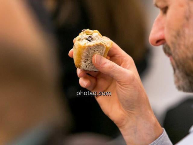 Wiener Börse zu Mittag unverändert: AT&S, FACC und Palfinger gesucht