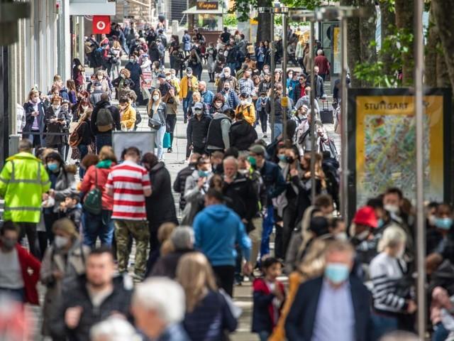 Jüngere als Pandemietreiber – Vierte Welle im Anmarsch